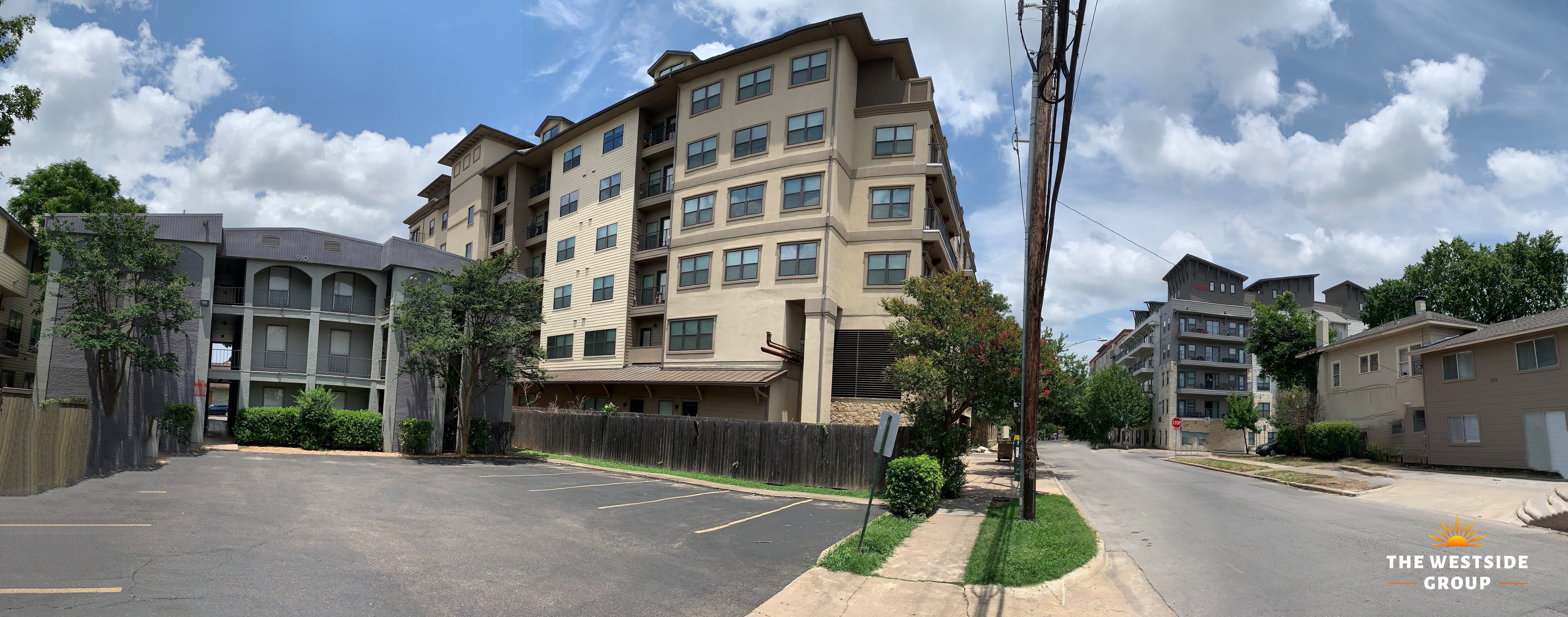 Student and Apartment Housing Center Austin